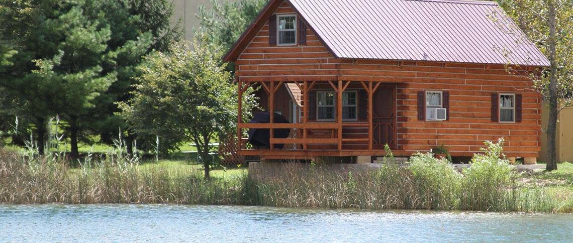 Cabin_caboose_lake.jpg